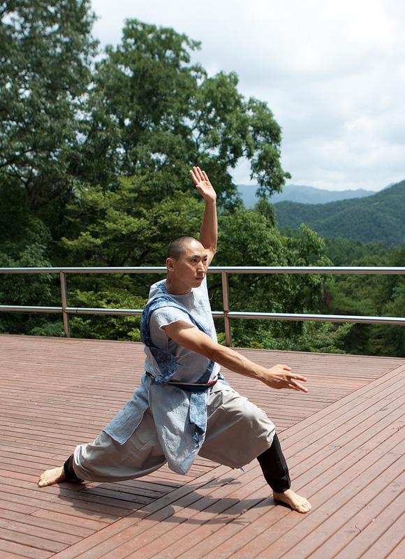 SOUTH KOREA: The Zen Mama Warrior