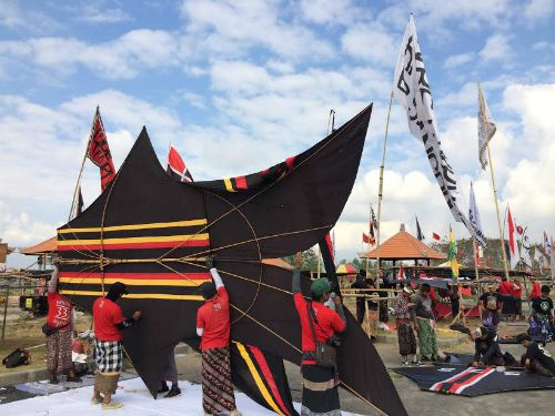 INDONESIA: Kites as Pastime or Offering to the Gods?