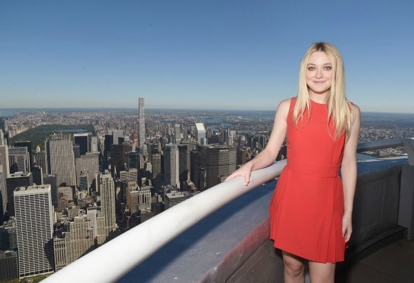dakota-at-the-top-of-the-empire-state-building-600