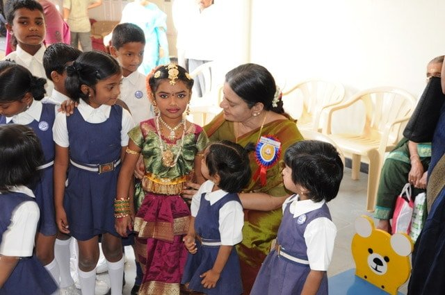 World Voice: Akka – A Visionary Who Won the Hearts of Little Ones #WorldDayAgainstChildLabour